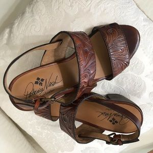 Patricia Nash brown leather sandals 7.5